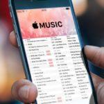 Как на iPhone удалить музыку?